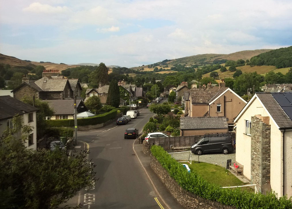 The town of Staveley surrounded by trees and green fields