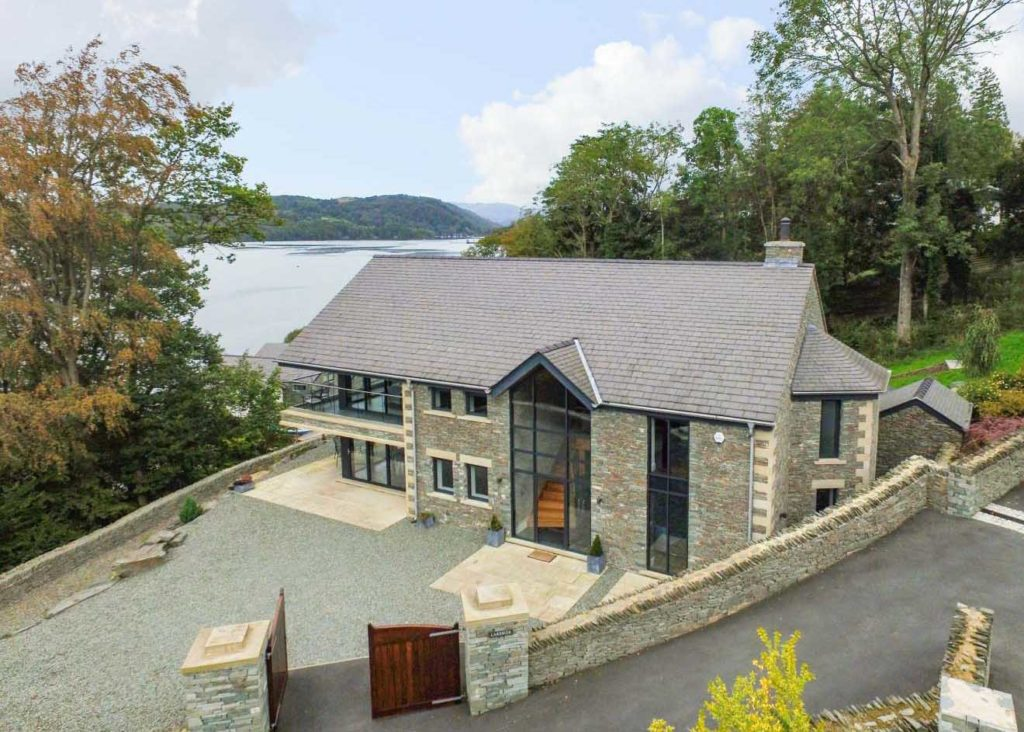 Lakeside property with views of lake windermere - luxury accomodation in Bowness