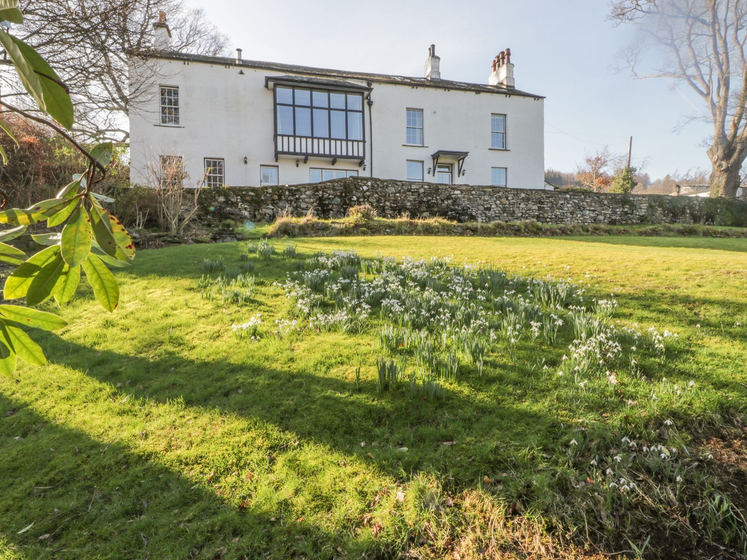 Lake District Holiday Cottage with large green garden out the front - rural countryside area